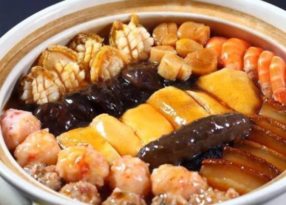 北方人过年吃饺子,广东人过年吃盆菜