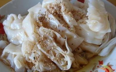 """""""食惯嘴""""实际上就是一种米粉,跟广州的沙河粉、布拉肠异曲同工。"""
